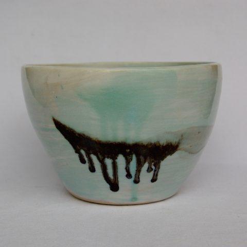 Marion Graux poterie. Ceramic designer living in Paris.