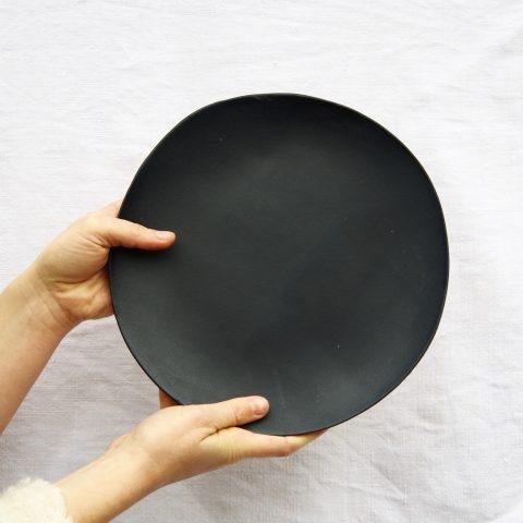 Marion Graux poterie. Vaisselle sur mesure. Assiettes