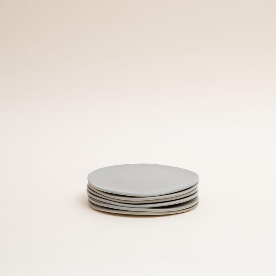 6 assiettes à dessert gris minérale pour servir une entrée ou le dessert