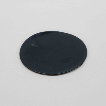 petite-assiette-noire-2